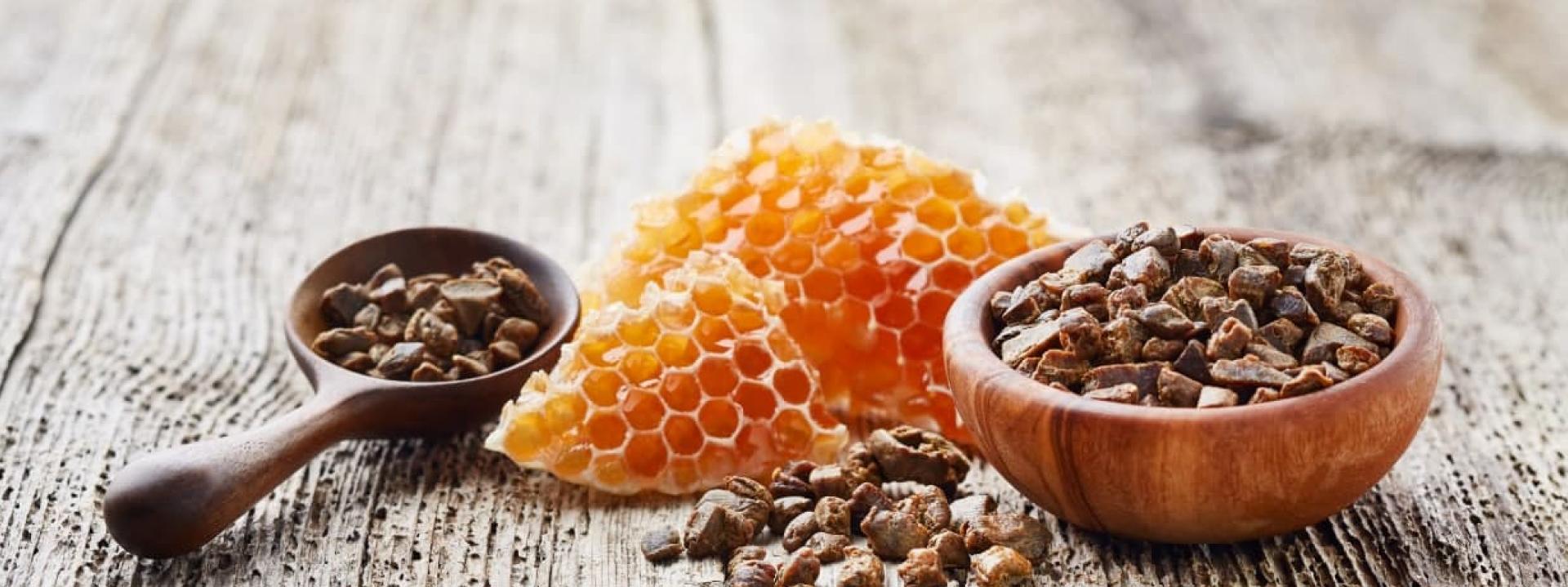 Рецепты природных лекарств: прополис, мёд, забрус, маточное молочко